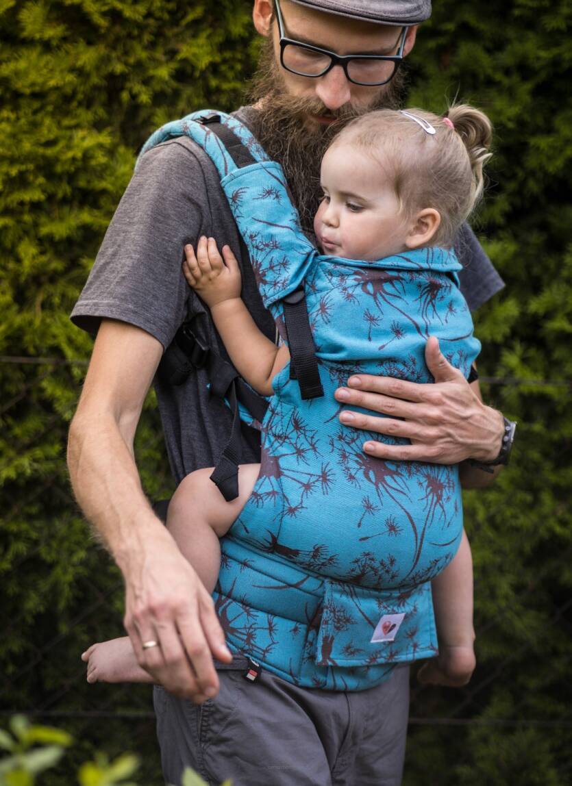 Freely Gow. Baby carrier . Rosa.